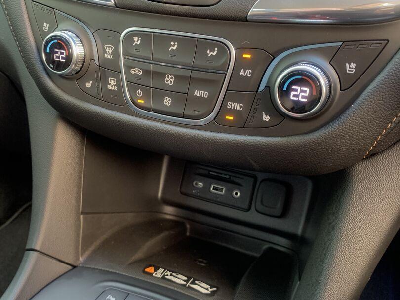2020 Holden Equinox 12