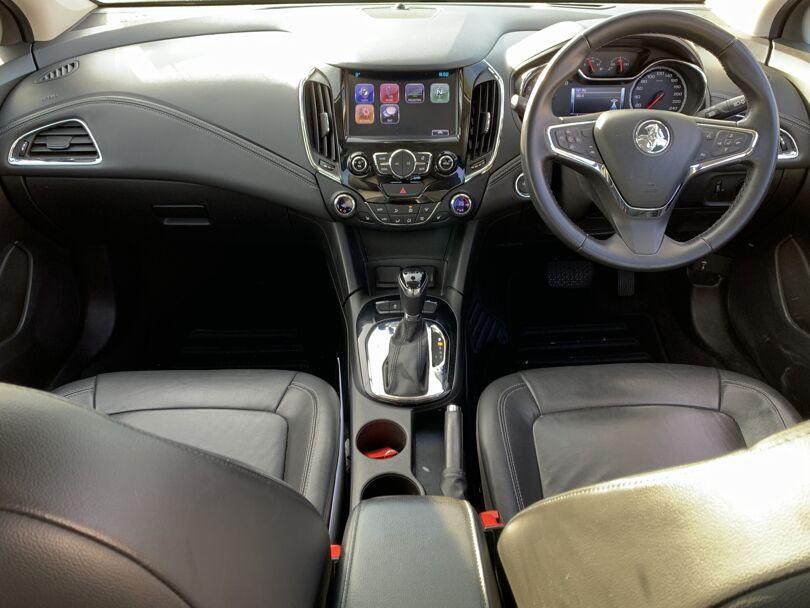 2017 Holden Astra 10