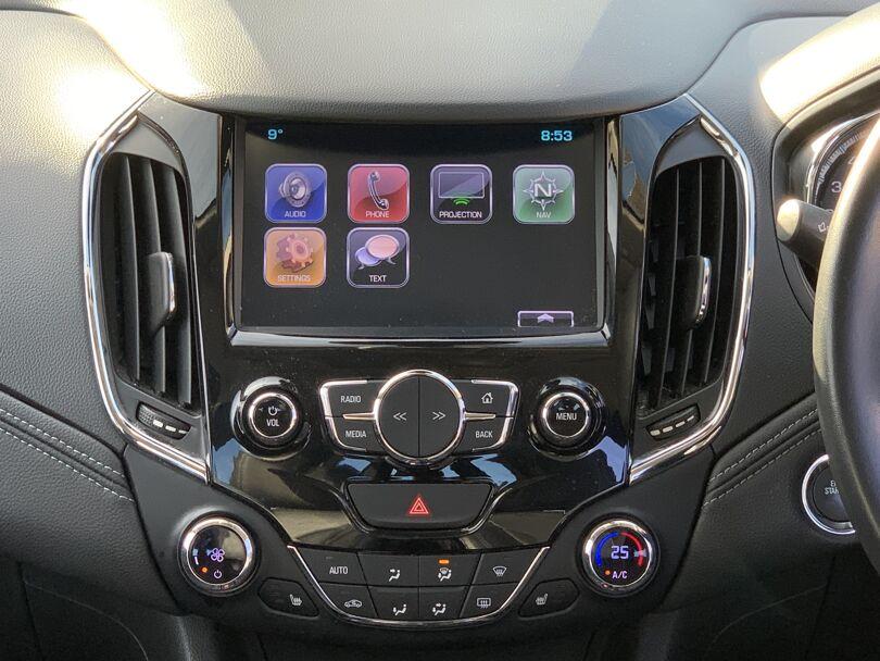 2017 Holden Astra 9