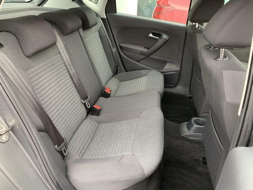 2012 Volkswagen Polo 12