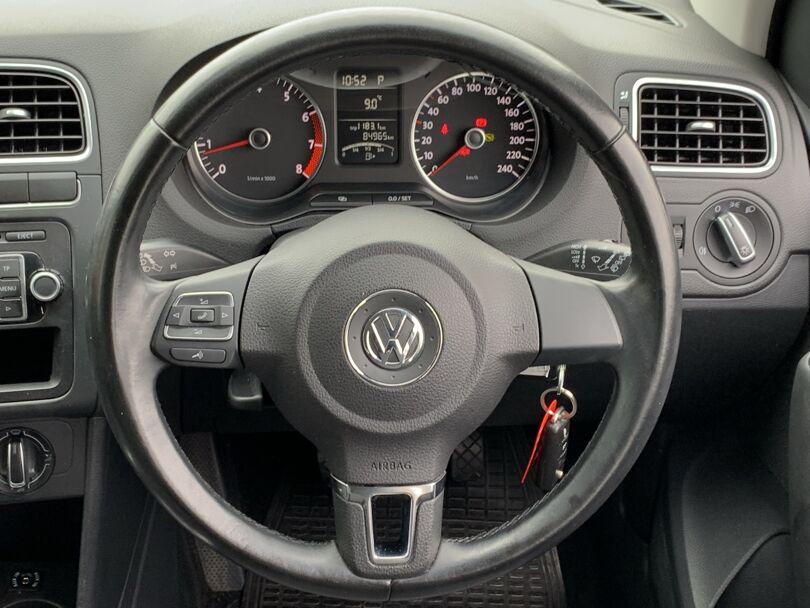 2012 Volkswagen Polo 8