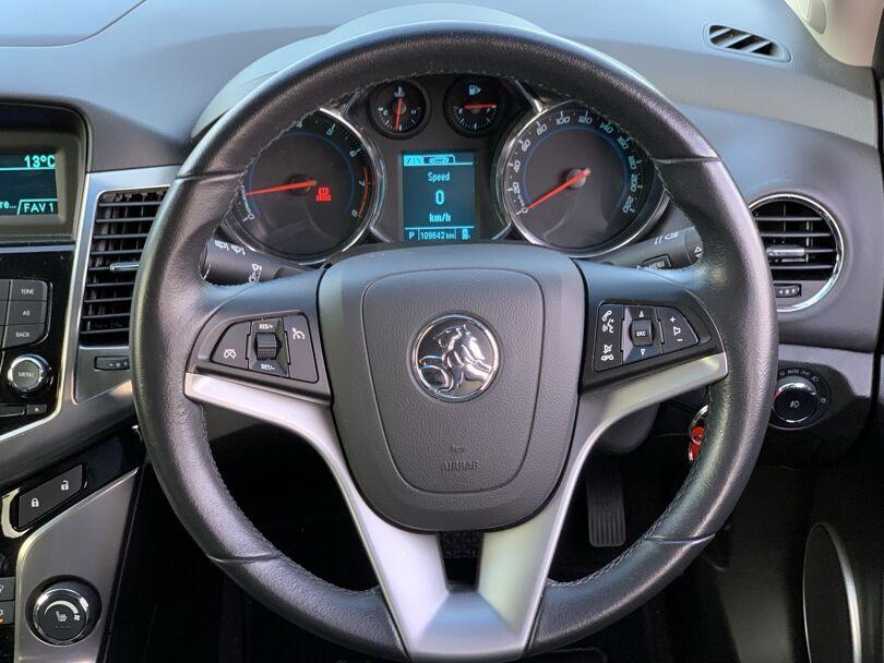 2014 Holden Cruze 8