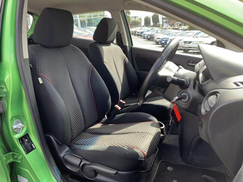 2014 Mazda 2 11