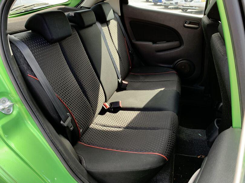 2014 Mazda 2 12