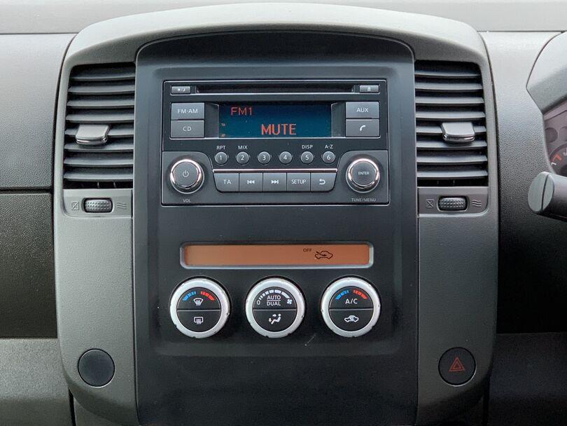 2015 Nissan Navara 9
