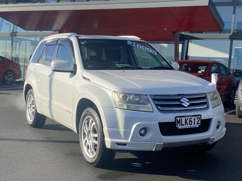 2009 Suzuki Escudo 5