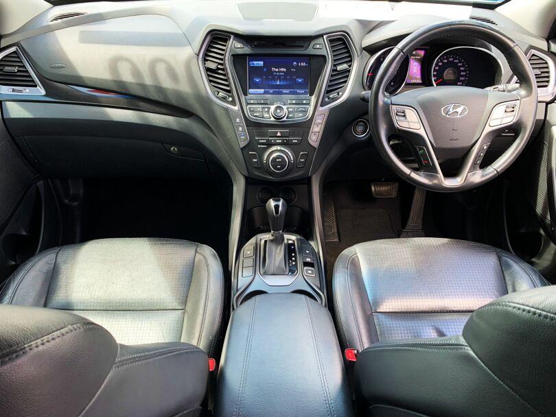 2014 Hyundai Santa Fe 9