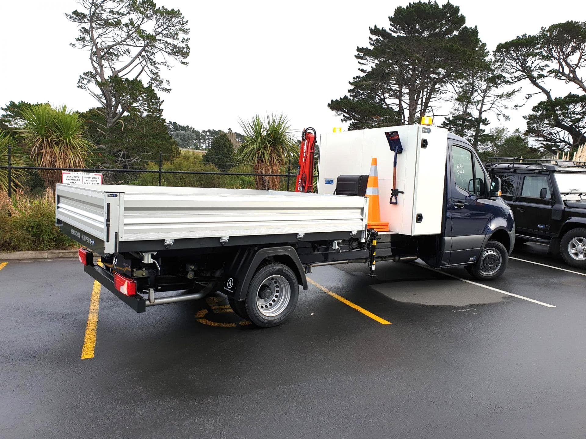 Custom tipper truck