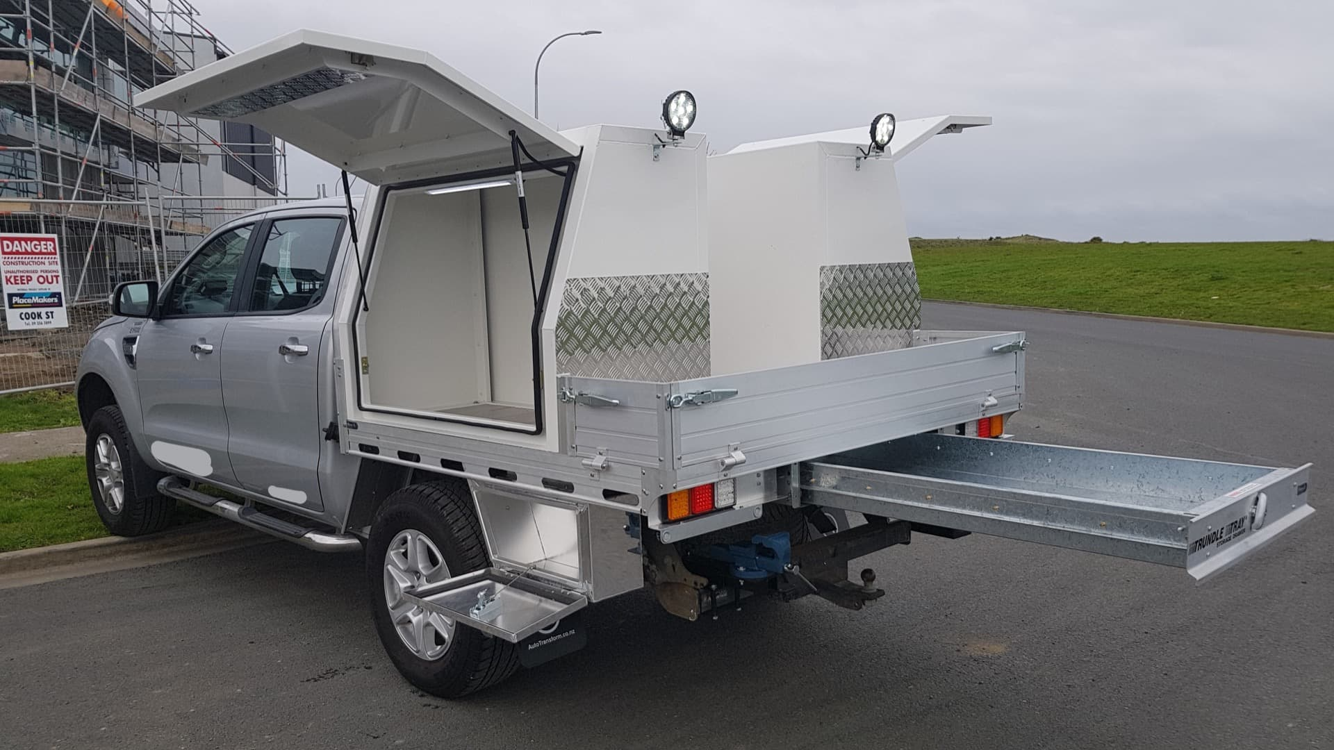 Commercial ute service body