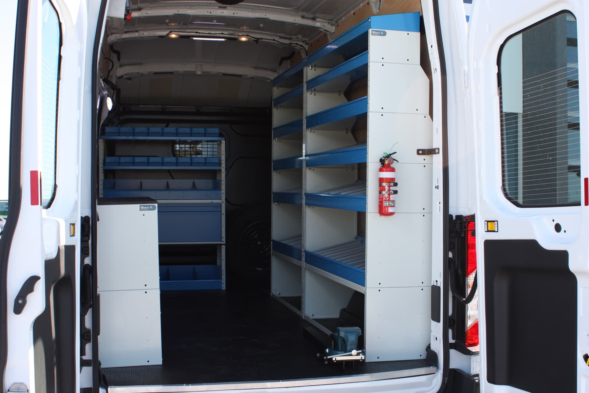 Commercial van fitout with syncro system