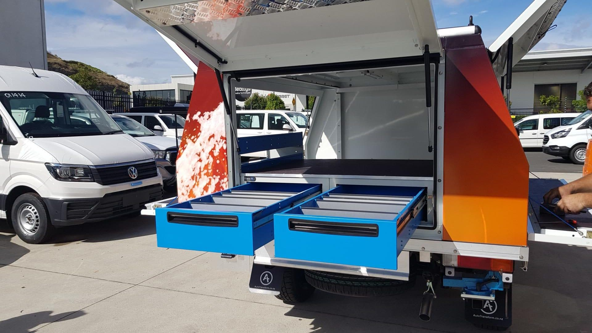 Ute fitout with underfloor drawers