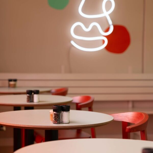 Bright and fresh - Lola's in West Auckland is a jostle between retro and contemporary
