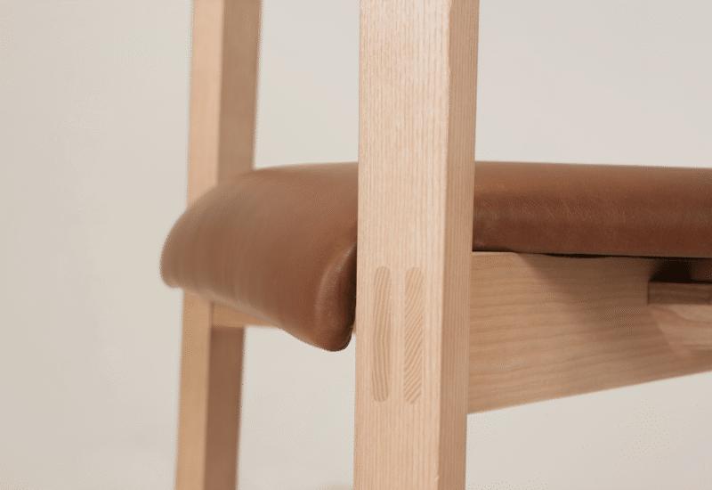 CH Cleo Armchair clear tan uphol detail