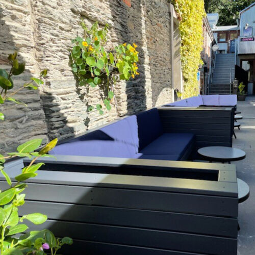 Season Outdoor Banquettes make great use of this alley way