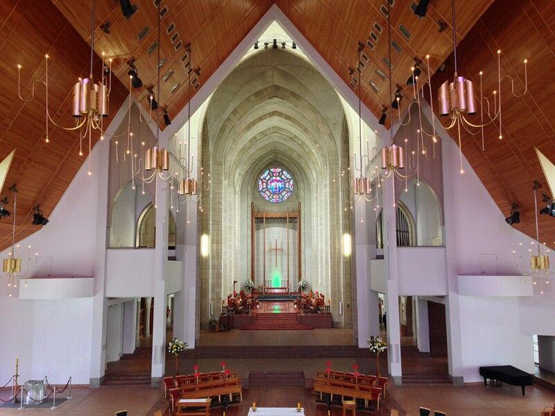 holy trinity cathedral altar