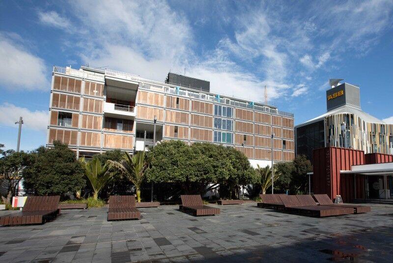 park hyatt karanga plaza