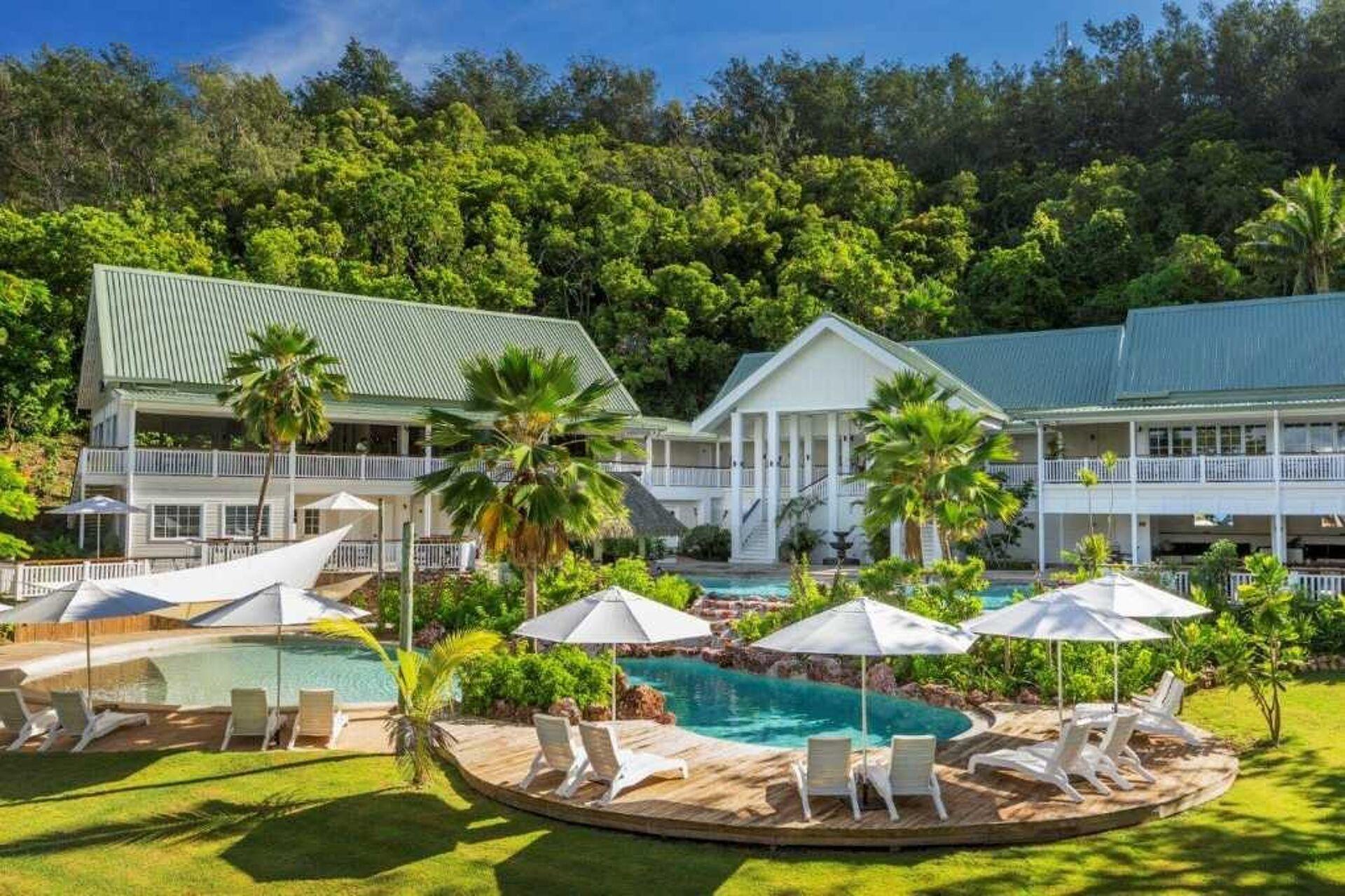 Malolo Island Resort Bistro Outdoor Umbrellas