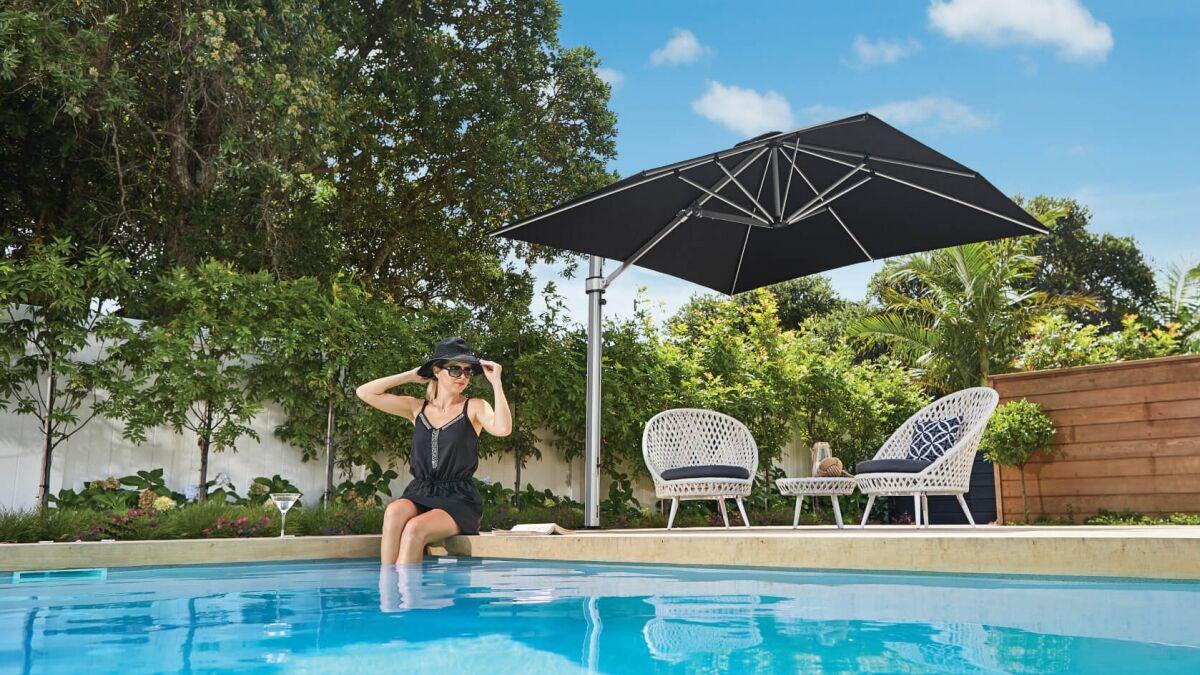 Square Cantilever Umbrella in Black in Auckland