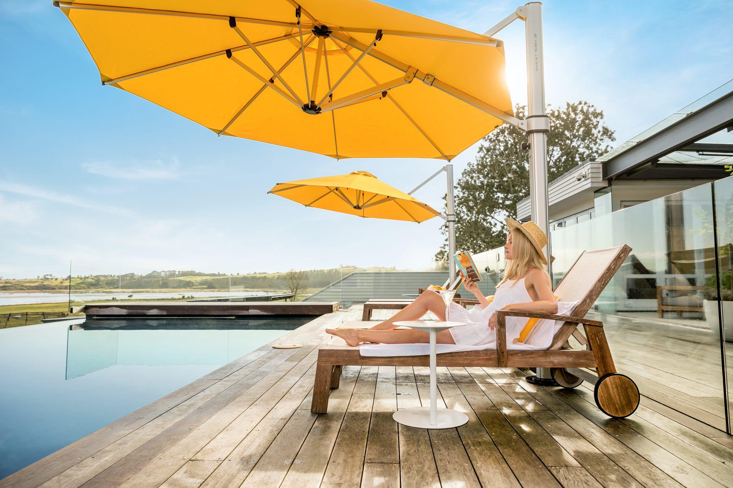 Riviera Cantilever Umbrella Yellow