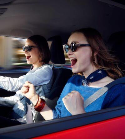 suzuki swift girls in car