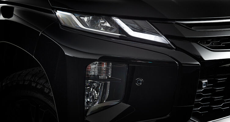 Factory-fitted jet black body kit including black dynamic shield, black grille and black LED headlamp surround.